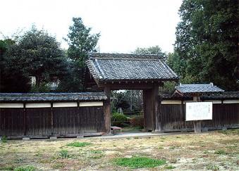 関宿城埋門